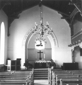 kirken-indvendig-2
